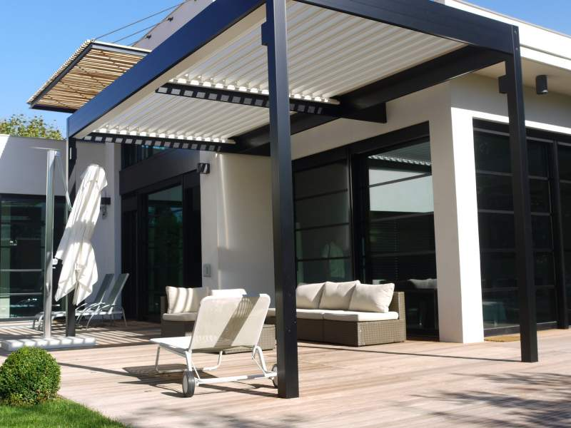 toit pergola bioclimatique aluminium ceyreste 13600 cauchi design. Black Bedroom Furniture Sets. Home Design Ideas